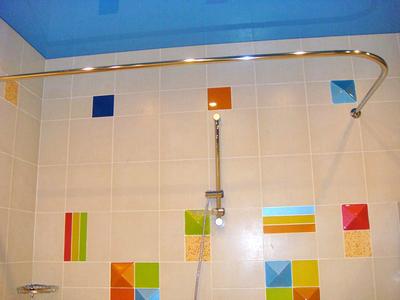 Штанга для шторы в ванную комнату: выбор карниза для шторки