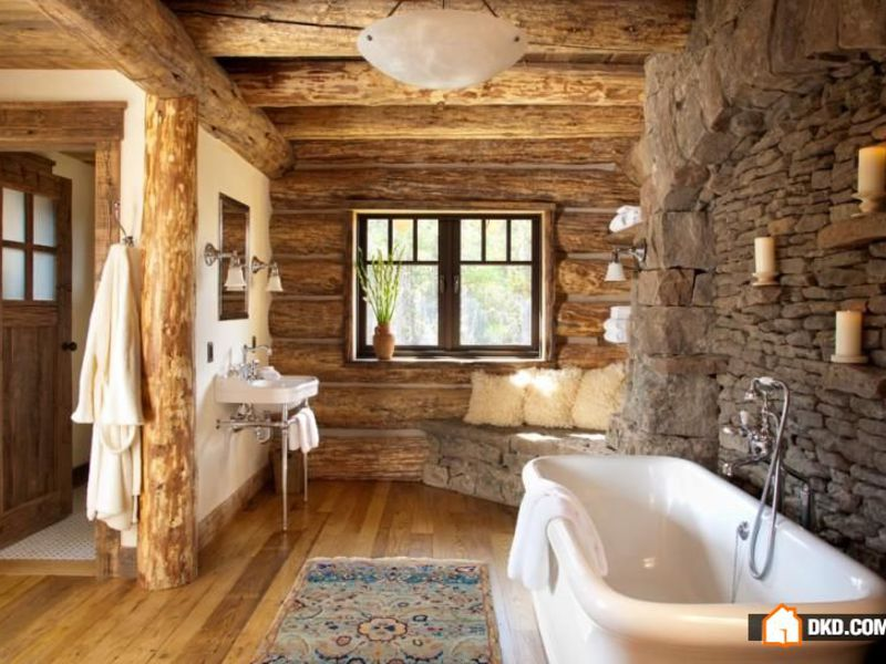 Ванная комната в загородном деревянном доме