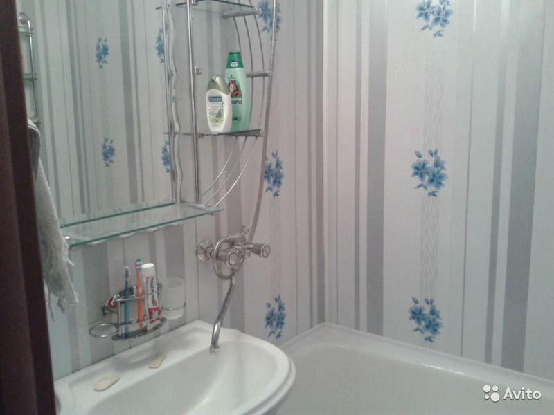 Как монтировать пластиковые панели ПВХ на стенах в ванной комнате